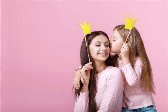 Sveikinimai mamai – dovanokite gražiausius žodžius