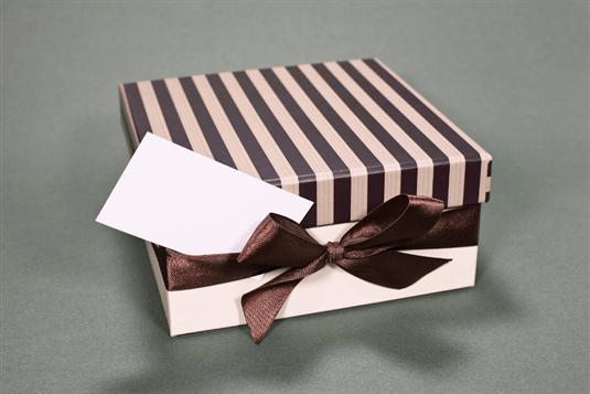 Verslo dovanos – ką dovanoti verslo partneriams ir kolegoms?