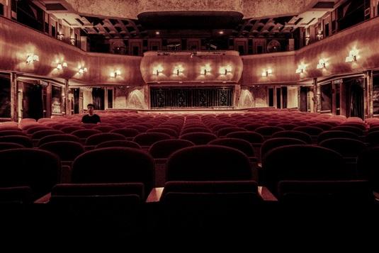 Teatras: ką verta pamatyti Vilniuje ir Kaune?