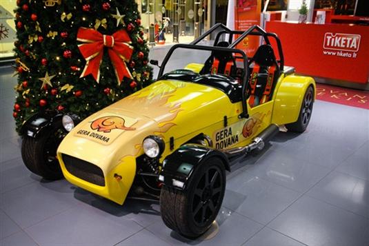 """Neįprasta dovana Lietuvos vyrams – galimybė išbandyti """"Lotus Super 7"""""""