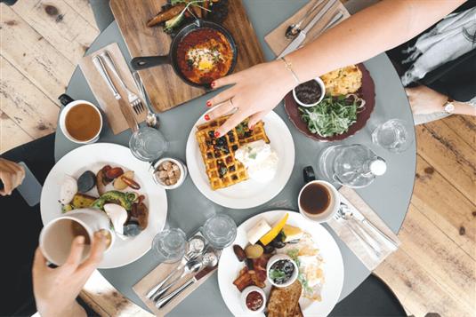 Išskirtinės vietos, kur galima pavalgyti Vilniuje