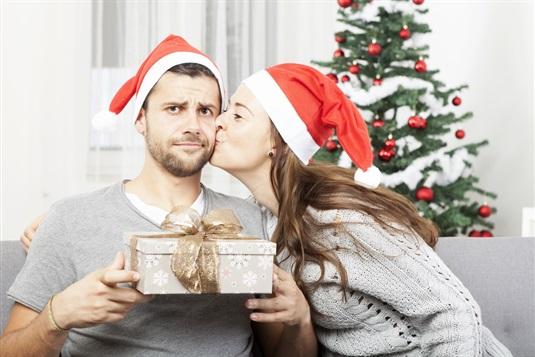 Kalėdinės dovanos vyrams: į ką atkreipti dėmesį jas renkant?