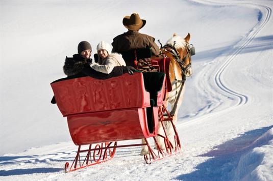 Kalėdinių pirkinių sezonas šiemet: pasaulio pirkėjai parduotuves užplūdo anksčiau, lietuviai neskuba