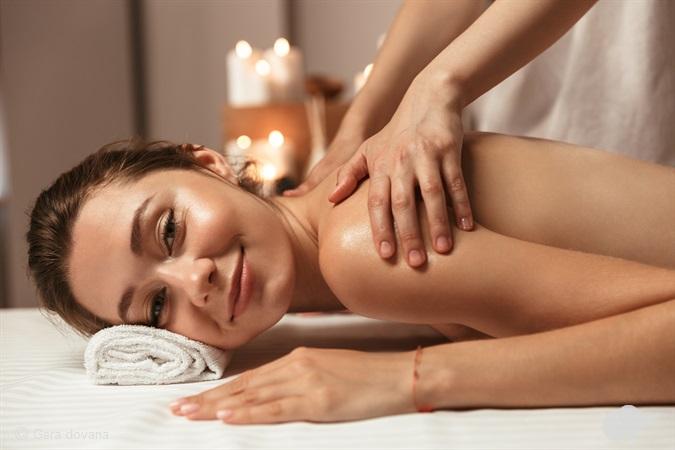 Gintarinis - kanapinis viso kūno masažas