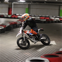 Važiavimas elektra varomu motociklu KTM