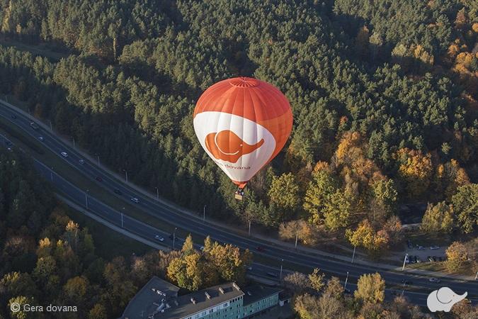 Rytinis skrydis oro balionu