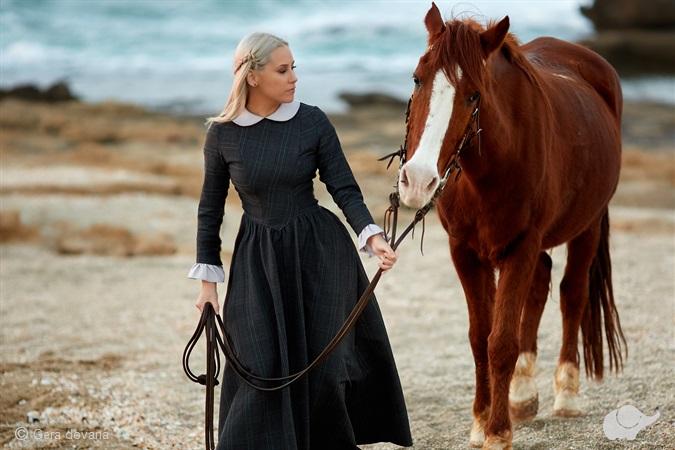Fotosesija su žirgais prie Baltijos jūros