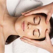 Atpalaiduojamasis japoniškas veido masažas