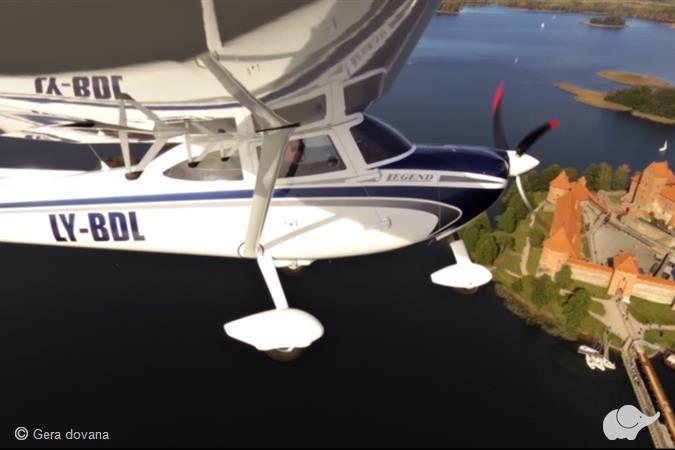 Pilotavimo pamoka virš Trakų pilies
