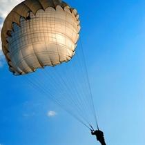 Šuolis kupolo tipo parašiutu Mažeikiuose